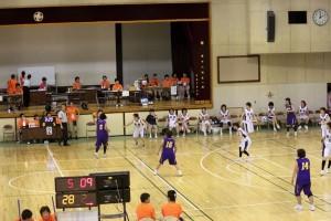 埼玉県立浦和北高等学校体育館での大会写真