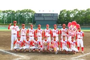 ティアラカップ埼玉大会優勝チーム「フローラ」の集合写真1