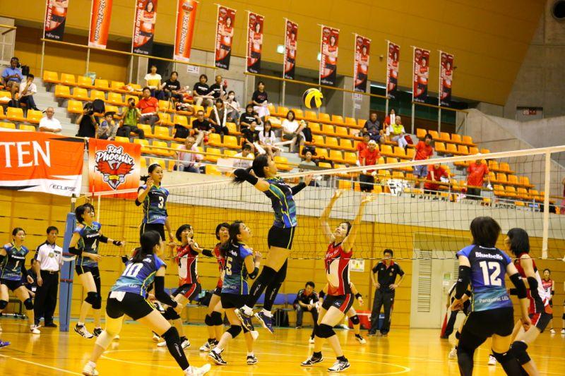全日本9人制バレーボール実業団女子選手権大会決勝の写真